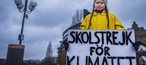 """Greta Thunberg, l'ambientalista 16enne ai politici Ue: """"Fate qualcosa o sarete i più grandi malfattori della storia"""""""